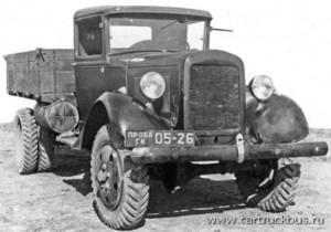 Первый прототип ГАЗ-63 был создан в 1939 году именно в двухскатном варианте.