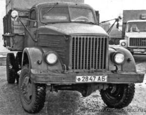 Еще одна вариация – с передним мостом от ЗИС-151 и кузовом от ГАЗ-66. Барнаул, 1992 год.