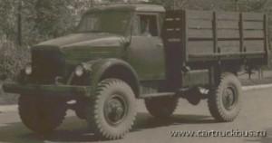 Ранние серийные ГАЗ-63, как и «51-е», делали с частично деревянной кабиной.