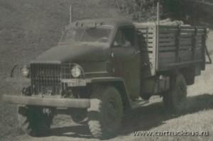Прототип 1943 года за неимением своей был оснащен кабиной от Studebaker.
