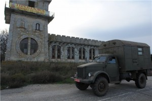 Заброшенный ресторан на въезде в Крым