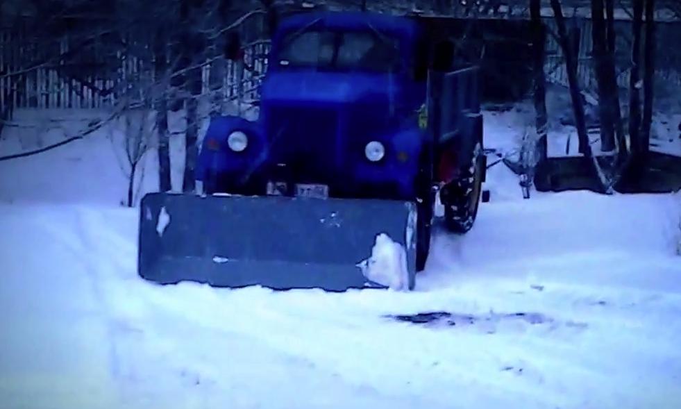 Испытания снегоуборочного отвала на ГАЗ 63