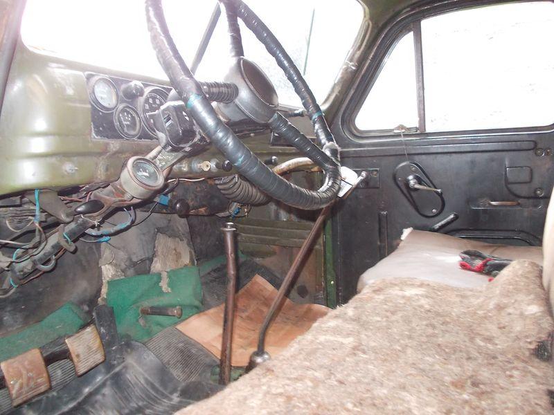 ГАЗ 63 внутри кабины