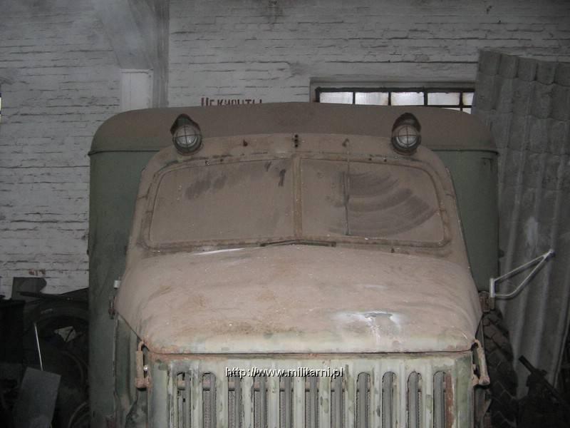 Немного на нем пыли, потому что стоял у меня в гараже с 5 лет, а раньше на заднем дворе около 10, но выжил и будет ездить !